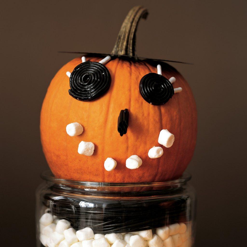 Indoor Halloween Decoration Ideas (6)