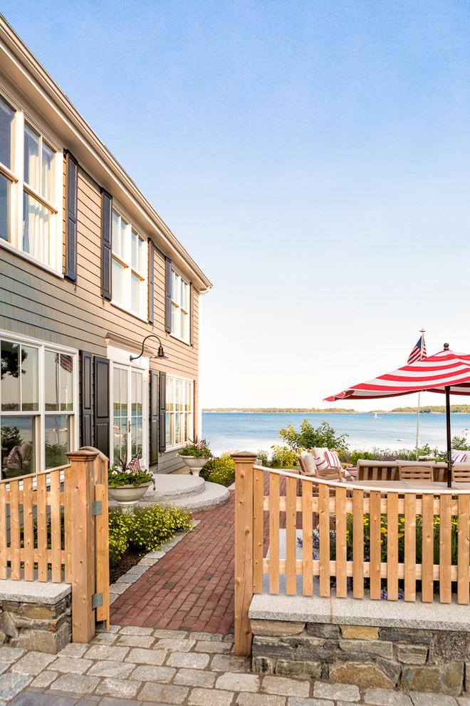 beach-style-patio-design