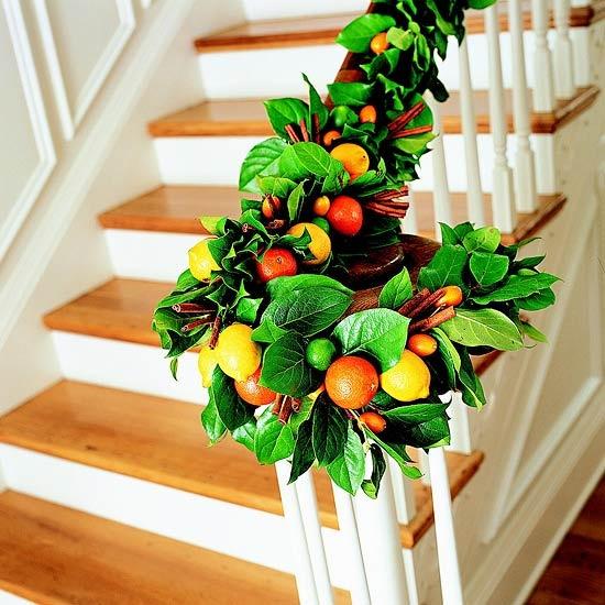 beautiful-christmas-stairs-decoration-ideas-5