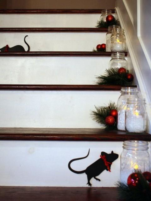 beautiful-christmas-stairs-decoration-ideas-7