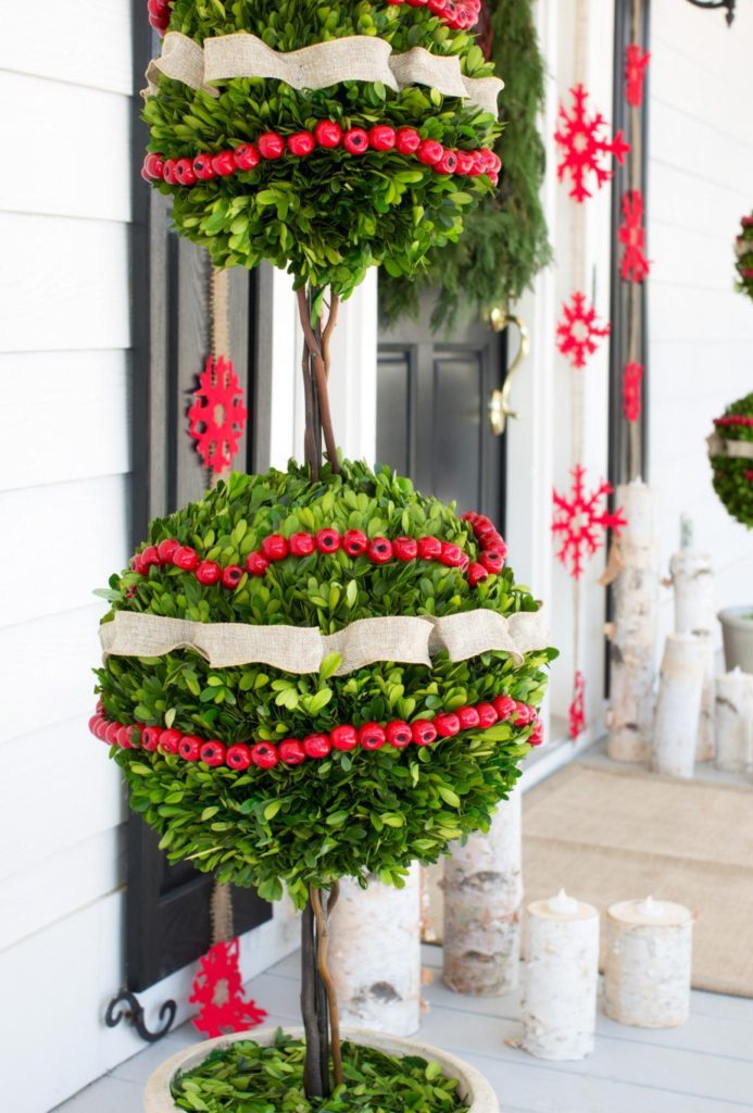 christmas-decorations-front-door-ideas-2