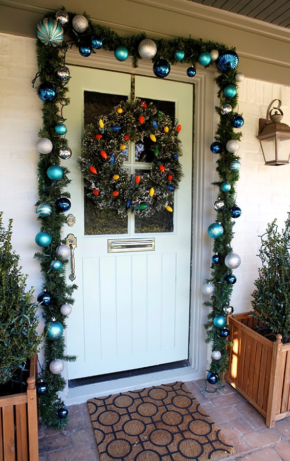 christmas-decorations-front-door-ideas-28