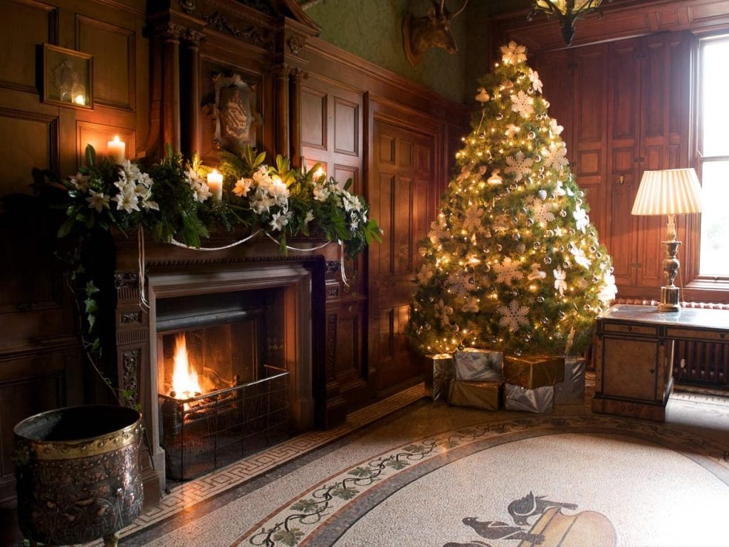 christmas-living-room-decorating-ideas-19