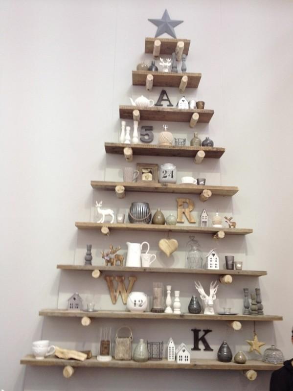 creative-wooden-shelf-christmas-tree
