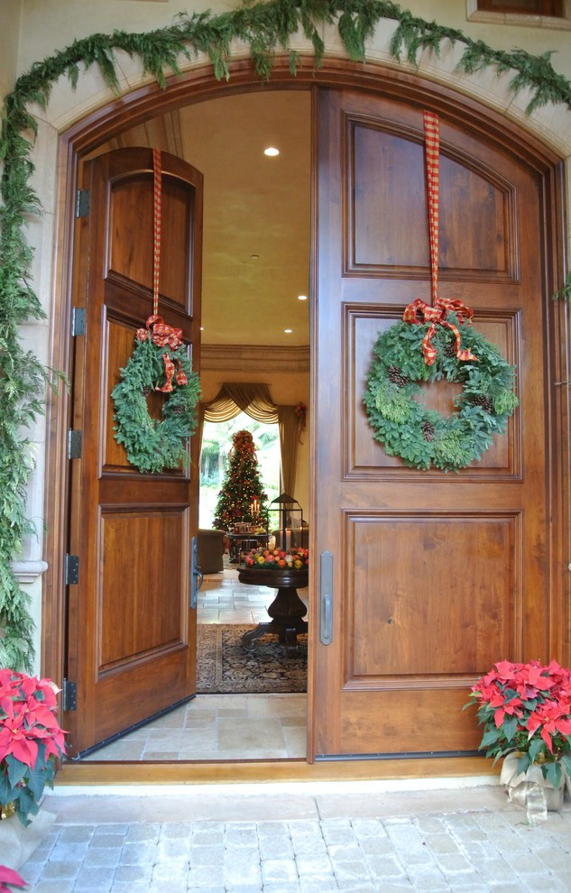mediterranean-entry-christmas-wreath-decoration