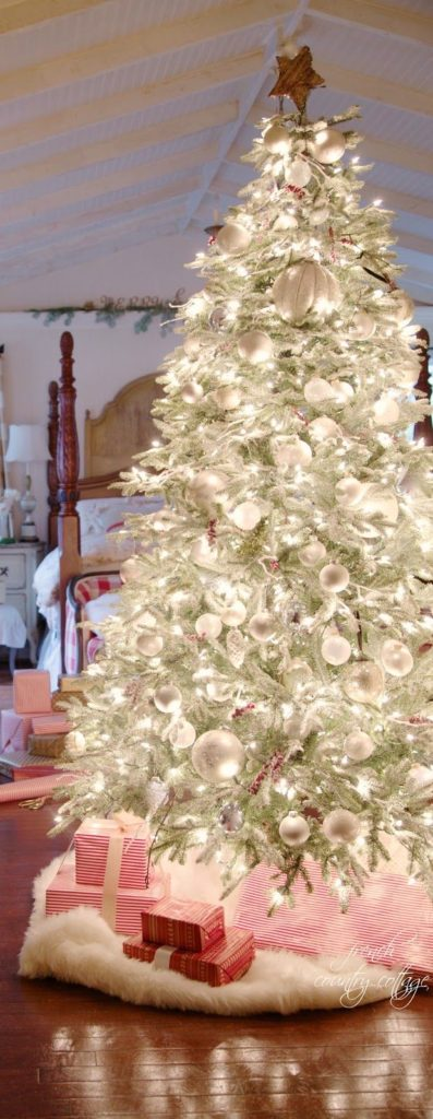 elegant-christmas-trees-decoration-ideas-17