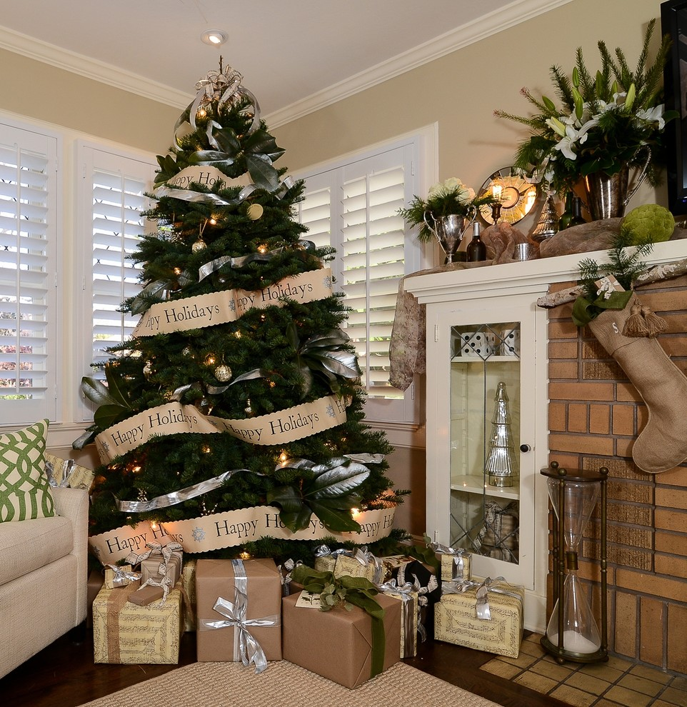 Elegant Christmas Trees Decoration Ideas 18