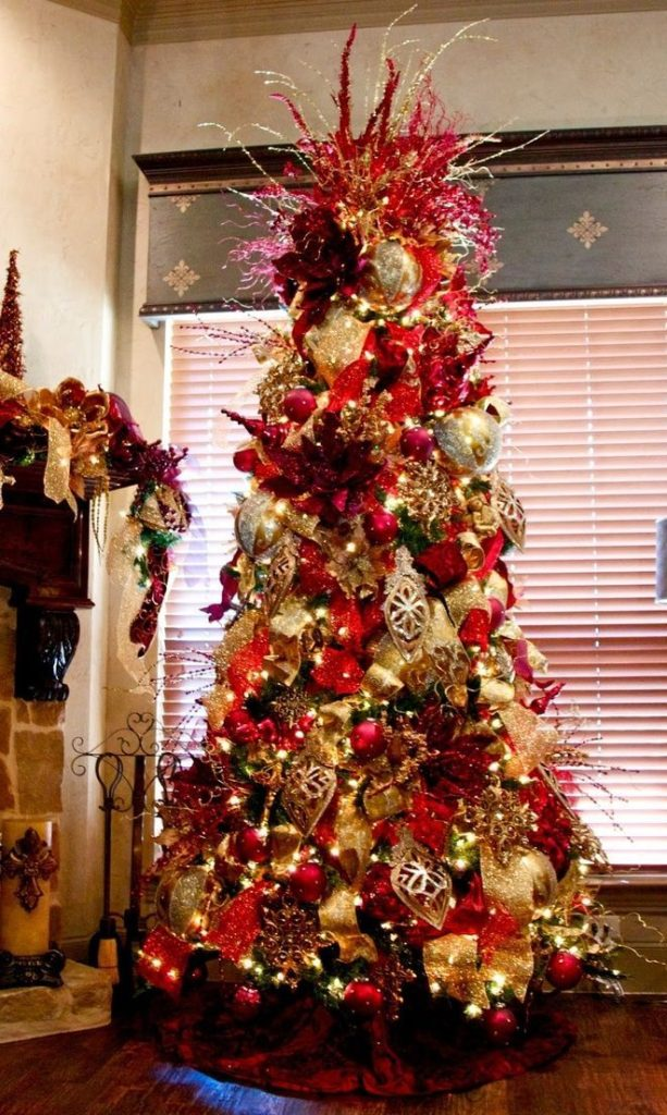 Elegant Christmas Trees Decoration Ideas 6
