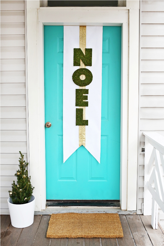 diy-christmas-door-decoration