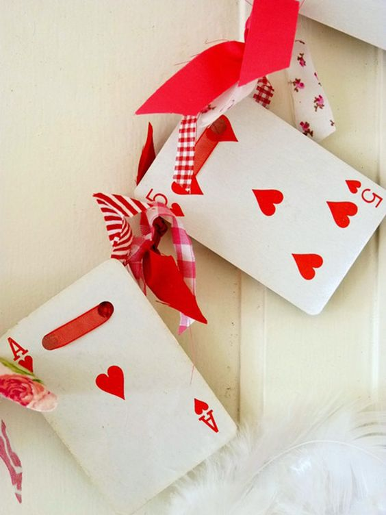 diy-playing-cards-decoration
