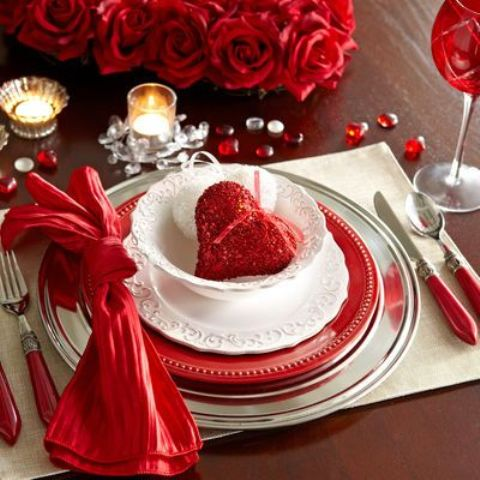 fresh-red-valentines-day-decoration-ideas-11