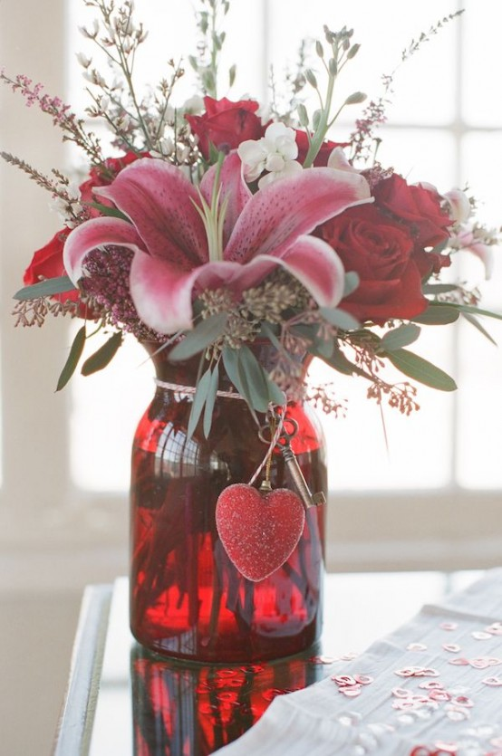 fresh-red-valentines-day-decoration-ideas-12