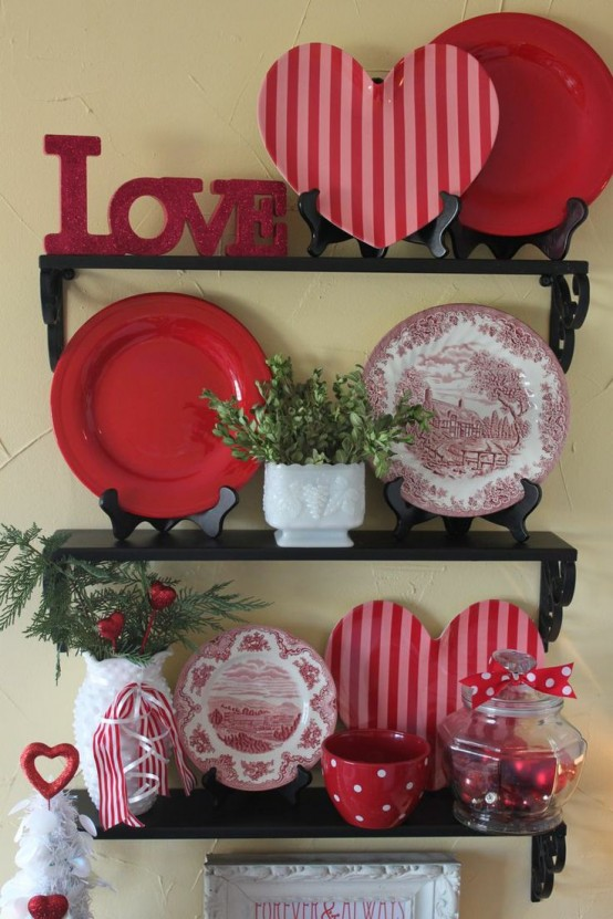 fresh-red-valentines-day-decoration-ideas-29