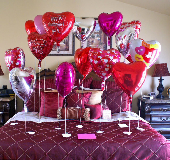25 romantic valentines bedroom decorating ideas for Valentine day at home