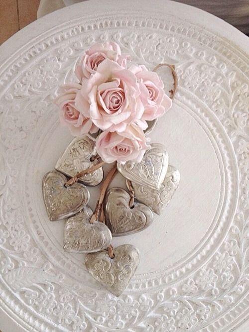 shabby-chic-valentines-decorations-36