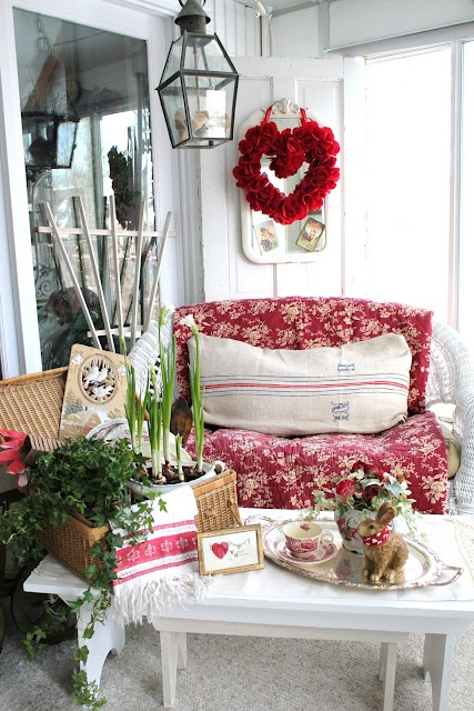 unique-outdoor-valentine-decor-ideas-17
