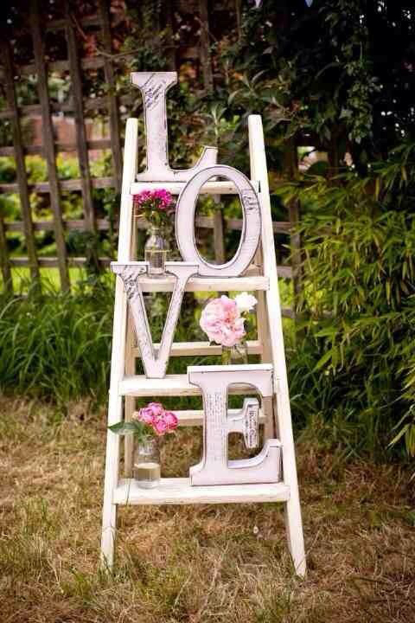 unique-outdoor-valentine-decor-ideas-30