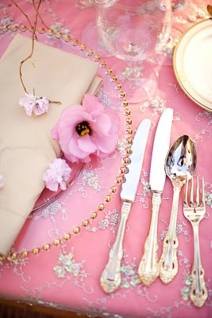 valentines-day-dinining-decoration-ideas-16