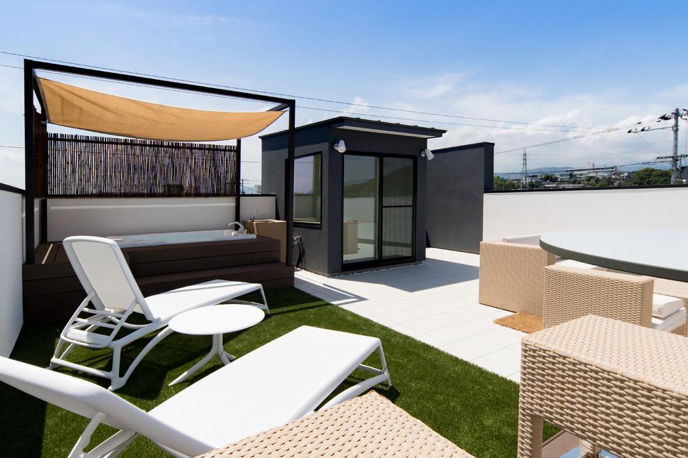 Beach-Style Backyard Deck Design