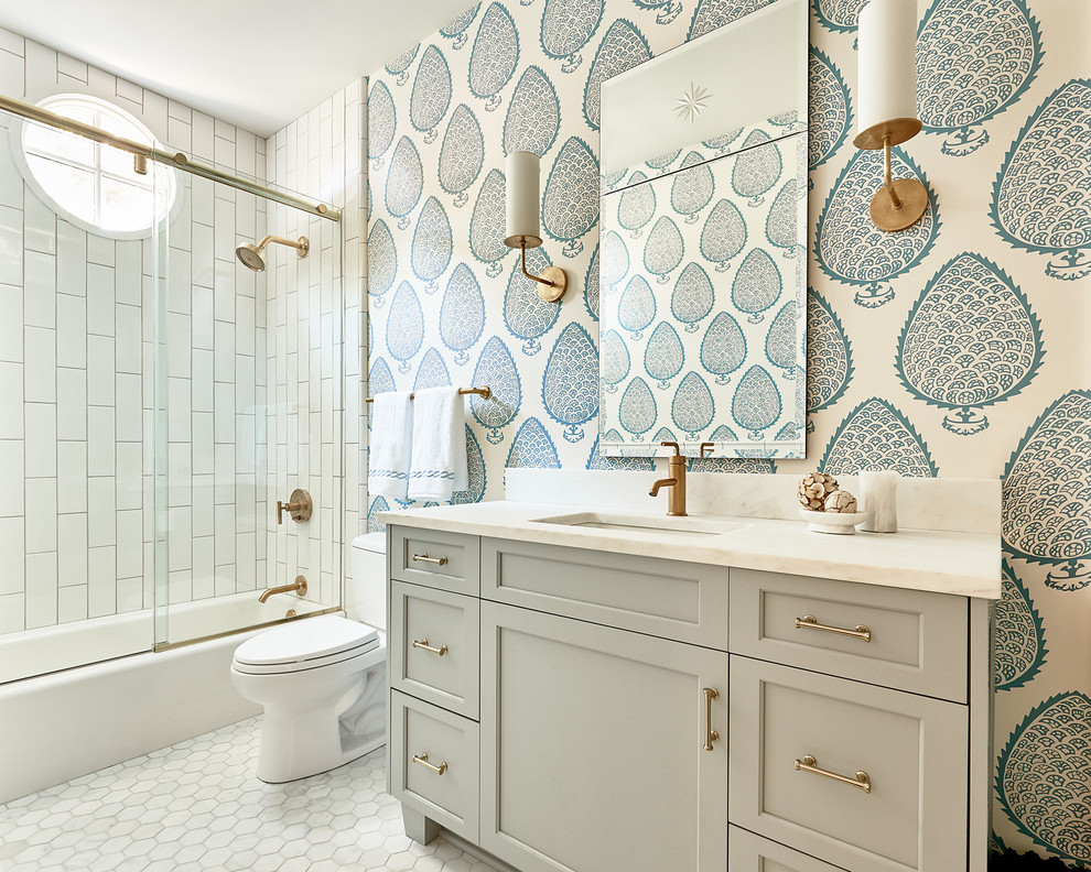Beach-Style Master Bathroom