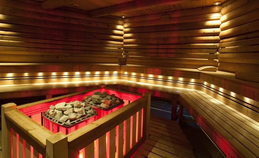 15 Fresh Sauna Bathroom Ideas