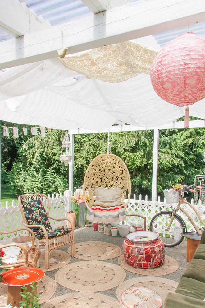 Shabby Chic Style Backyard Patio Design