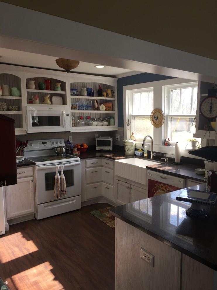 Shabby-Chic Style Kitchen Pantry Design