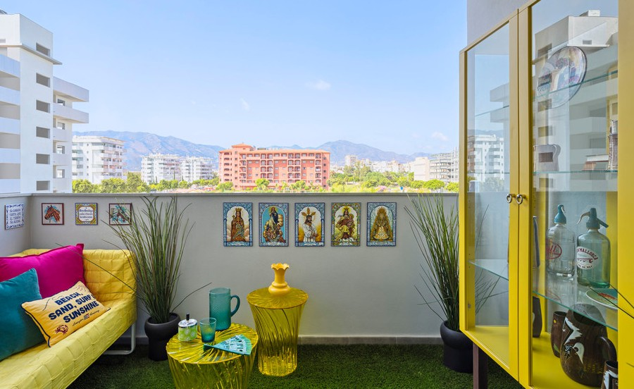 Eclectic-Balcony