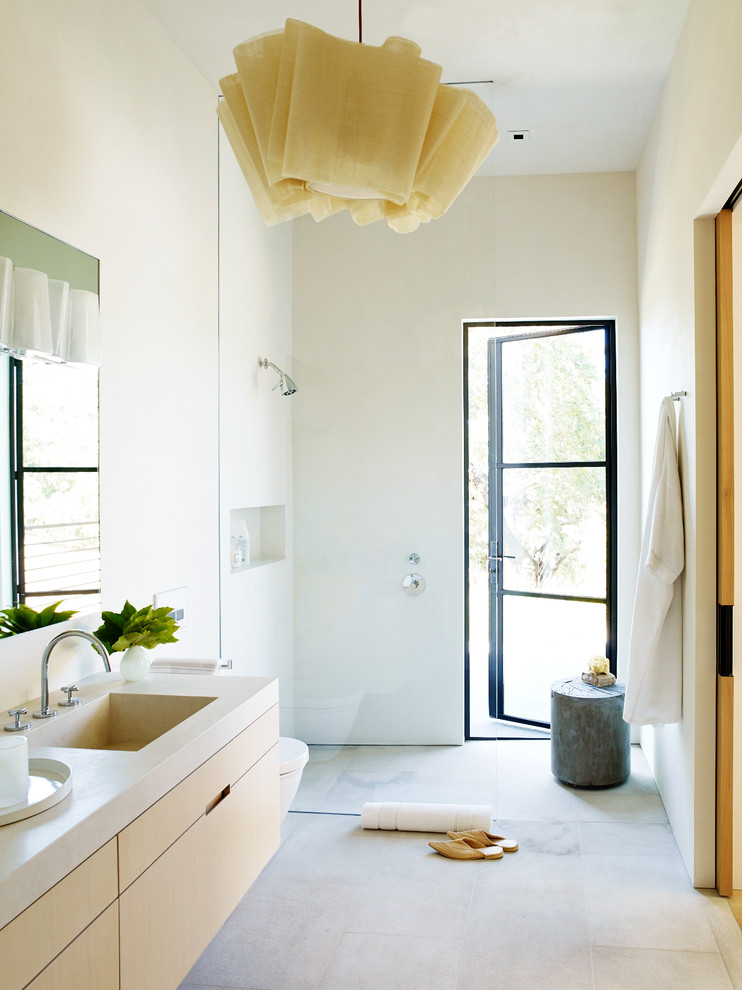 Contemporary Bathroom With Integrated Sink & Beige Floors