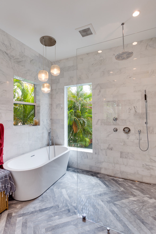 Contemporary Doorless Bathroom