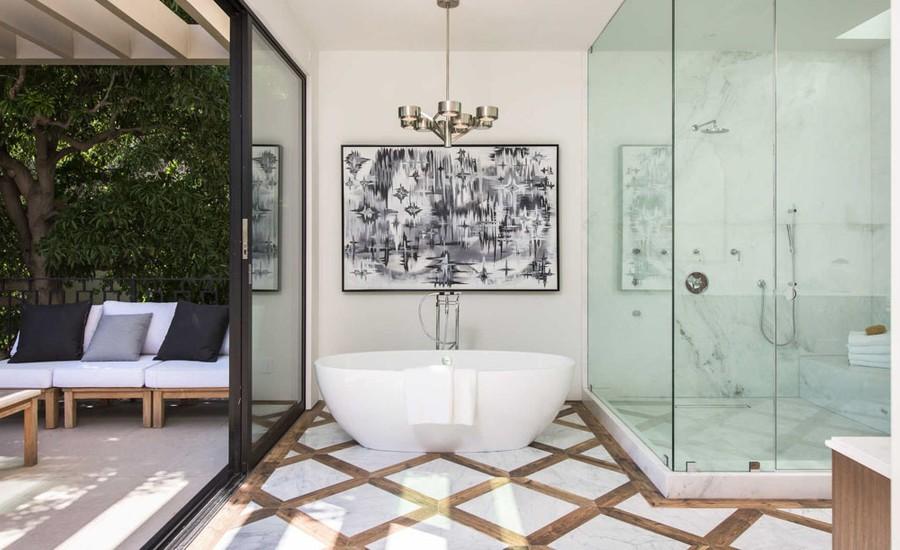 Open Concept Contemporary Bathroom
