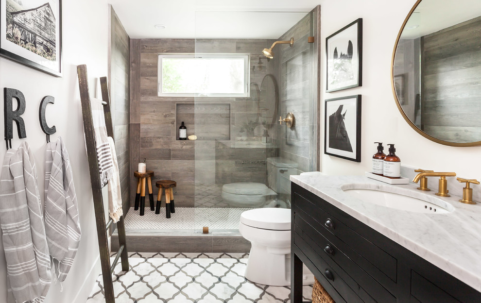 Farmhouse Bathroom Design