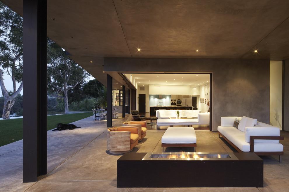 Modern Backyard Porch Design