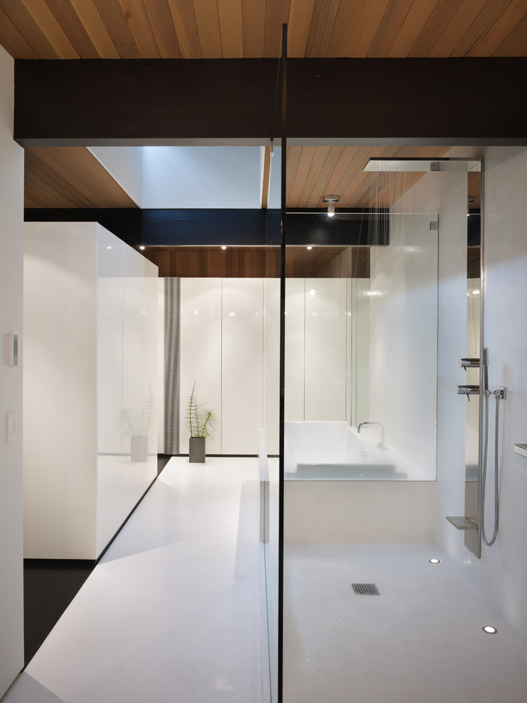 Modern Bathroom Design With Drop-In Tub