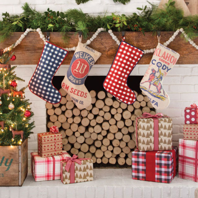 christmas fireplace decoration ideas - 2016 Christmas Decor Trends