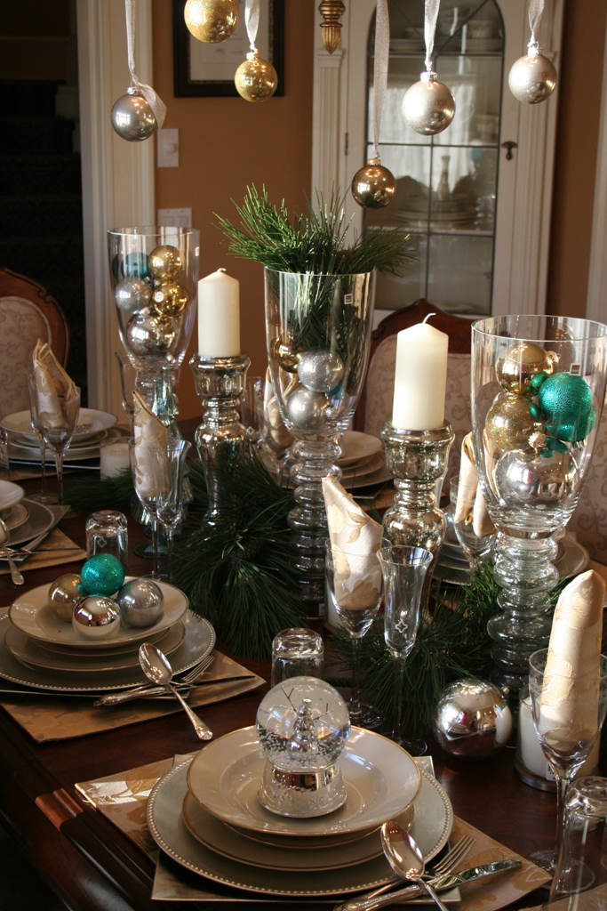 blue and silver christmas table decor - Silver Christmas Table Decorations