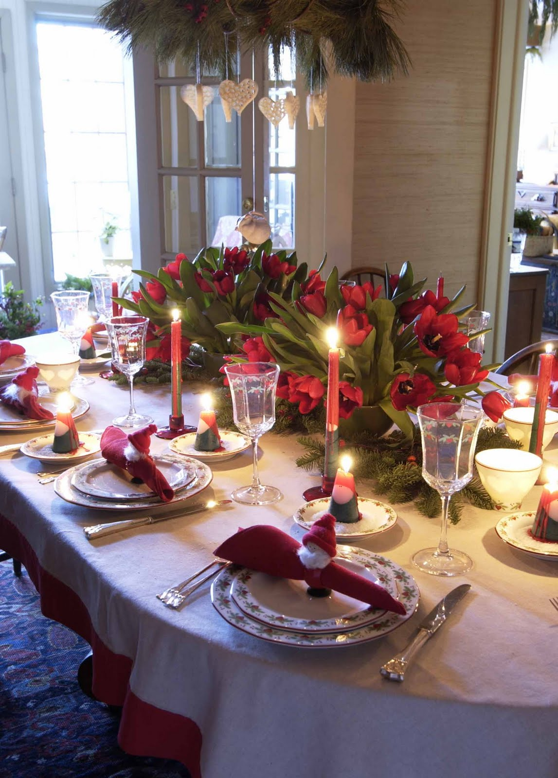 Christmas Dining Room Table. Christmas Dinner Table Decoration Ideas