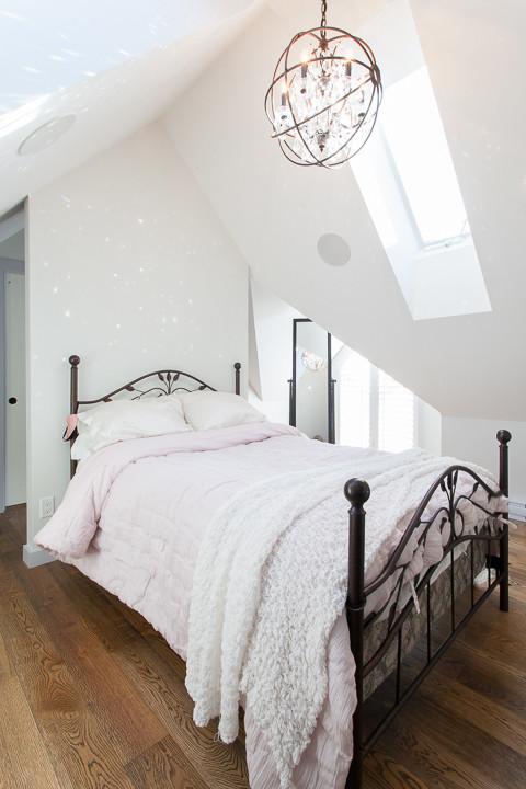 Farmhouse Loft-Style Bedroom