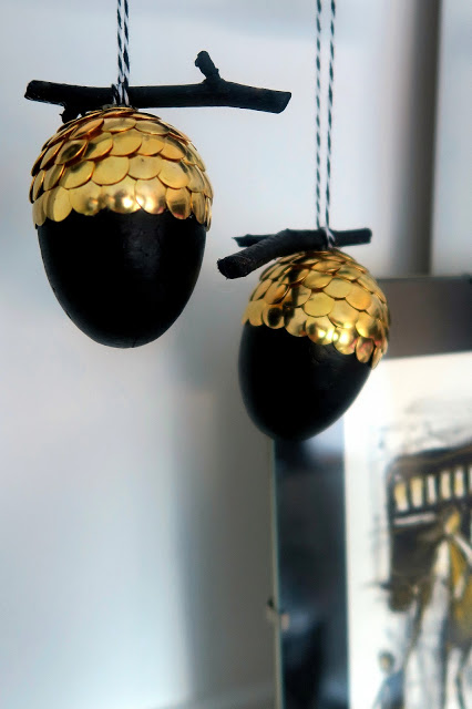 Ornaments Made With Drawing Pins
