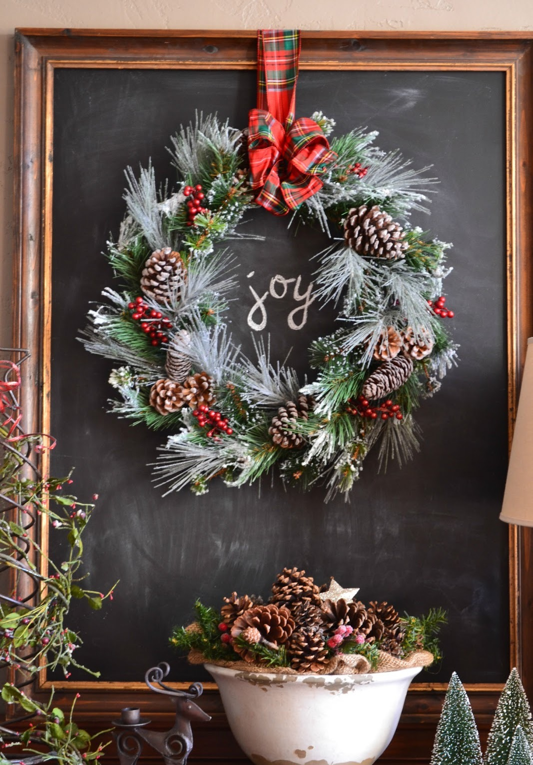 40 amazing wreath christmas decoration ideas for Amazing wreaths
