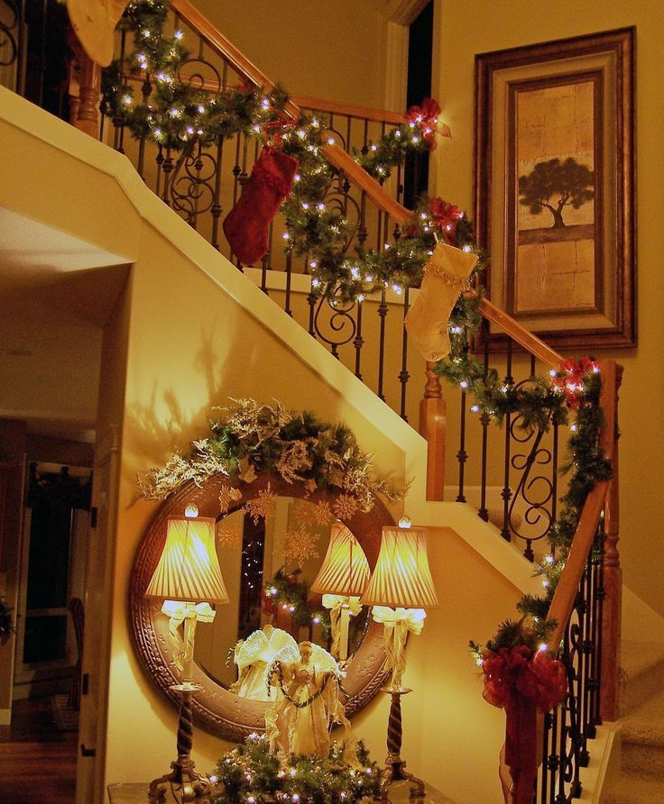 Christmas Staircase Decor