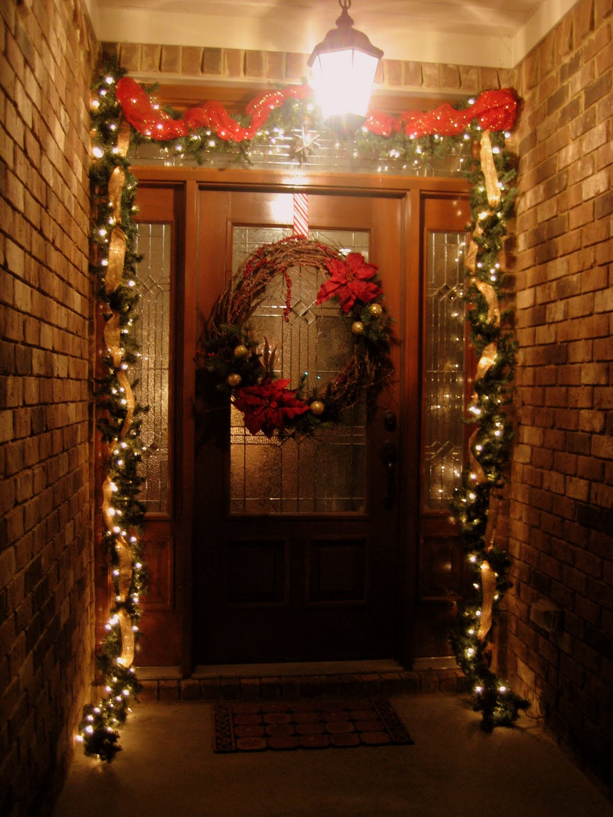 35 front door christmas decorations ideas for Beautiful house decoration