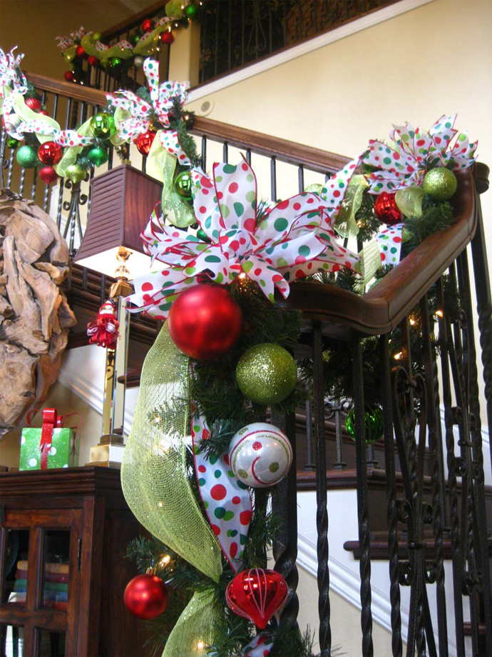 Mesh Christmas Staircase Decorating Ideas