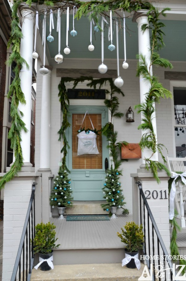outdoor christmas decoration front porch ideas - Outdoor Christmas Decorating Ideas Front Porch