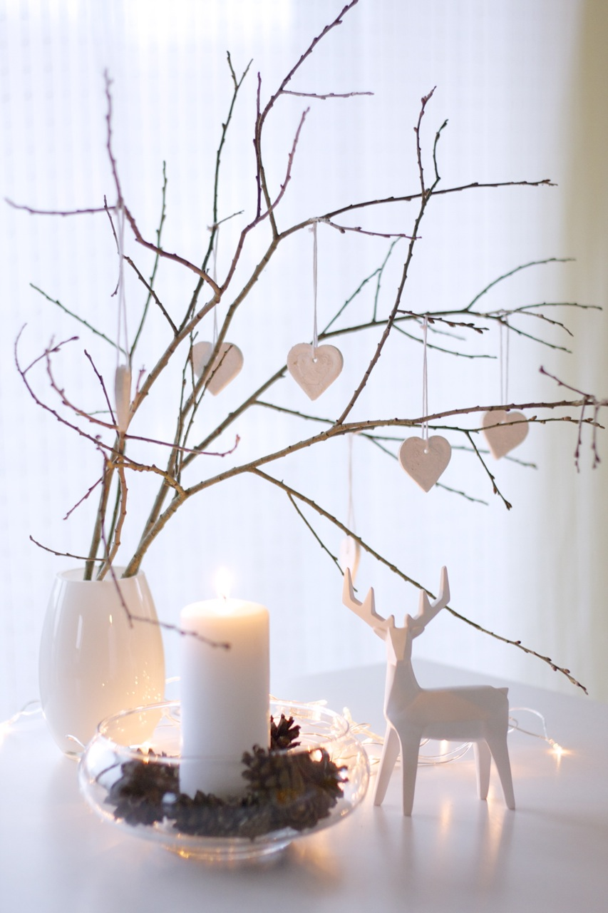 simple modern christmas decor