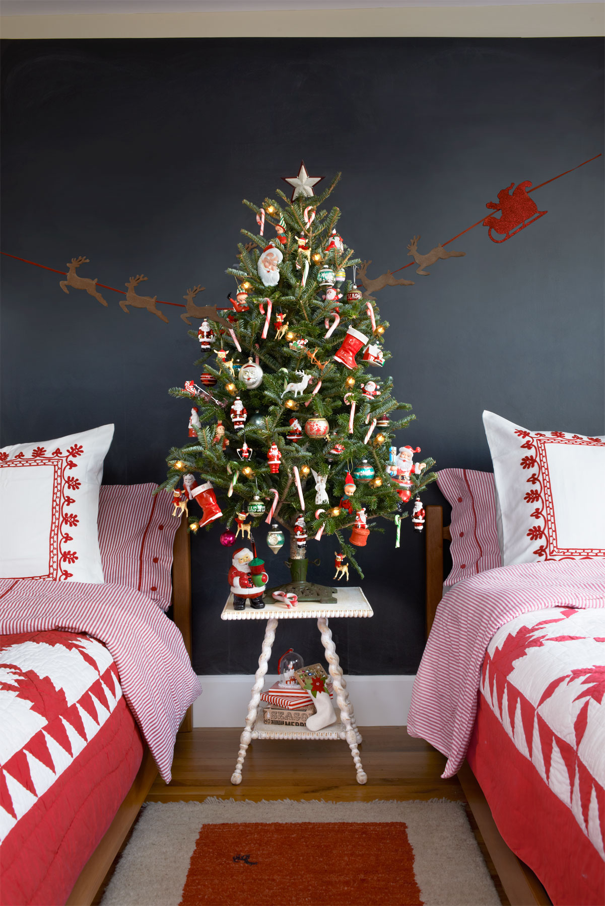 Christmas Tree Decoration (1) : christmas decorating ideas without a tree - www.pureclipart.com
