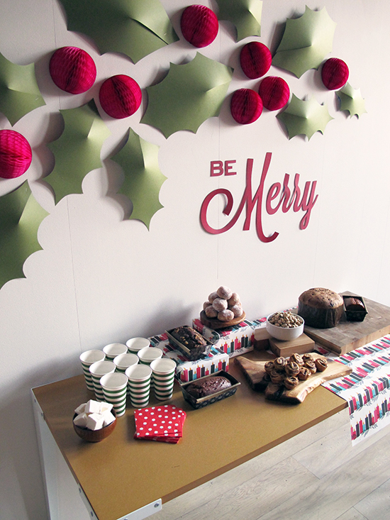 diy holiday meadow wall thewowdecor