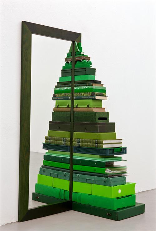 DIY Mirrored Christmas Tree Thewowdecor
