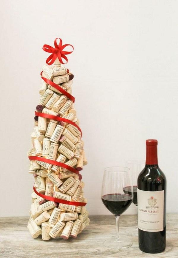DIY Wine Cork Christmas Tree Thewowdecor
