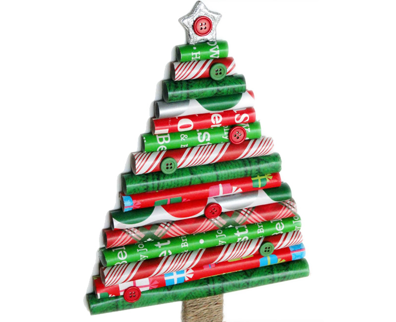 DIY rolls of gift wrap Christmas Tree Thewowdecor